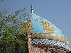 © Blue Mosque, Jerevan Roof, Cholo 3, CC BY-SA 4.0, Wikimedia Commons